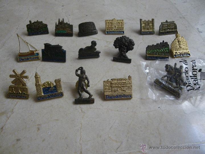17 PINS DE MONUMENTOS ISLAS BALEARES, DE DIARIO DE MALLORCA (Coleccionismo - Pins)