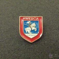 Pins de colección: PIN ESCUDO HERALDICO DE HUESCA. Lote 46981452
