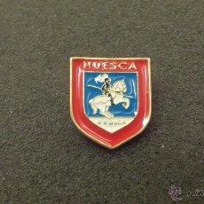 Pins de colección: PIN ESCUDO HERALDICO DE HUESCA. Lote 46981464