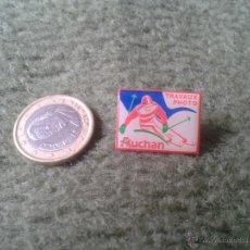 Pins de colección: BONITO Y ESCASO PIN FRANCIA FRANCE TRAVAUX PHOTO AUCHAN TENGO MAS PINS VEAN MIS LOTES PARA COLECCION. Lote 47472475