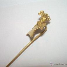 Pins de colección: ANTIGUA INSIGNIA CHAPADA EN ORO.....LLEVA UN CONTRASTE EN EL DORSO, POSIBLEMENTE PLATA BAÑADA EN ORO. Lote 47775687