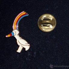 Pins de colección: PIN PERNO BADGE ANTIGUO. CURRO MASCOTA EXPOSICION UNIVERSAL SEVILLA 1992.. Lote 48107936