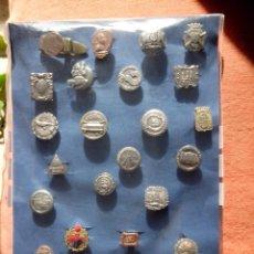Pins de colección: 27 PINS O INSIGNIAS ANTIGUOS. Lote 48199279