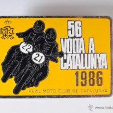 Pins de colección: PIN INSIGNIA DE AGUJA IMPERDIBLE 56 VOLTA A CATALUNYA REAL MOTO CLUB AÑO 1986. Lote 48317530