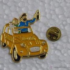 Pins de colección: PIN DE COCA COLA. TEBEOS COMICS DIBUJOS ANIMADOS. COCHE CITROEN 2CV TINTIN, CAPITÁN HADDOCK MILU. Lote 243532300