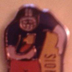 Pins de colección: PIN LE STEPHANOIS FUTBOL AMERICANO. Lote 48620266