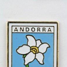 Pins de colección: PIN DE ANDORRA - FLOR EDELWEISS - MEDIDAS 25 X 21 MM - #PLS. Lote 173731619