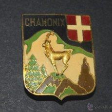 Pins de colección: PIN INSIGNIA DE AGUJA IMPERDIBLE CHAMONIX. Lote 48903732