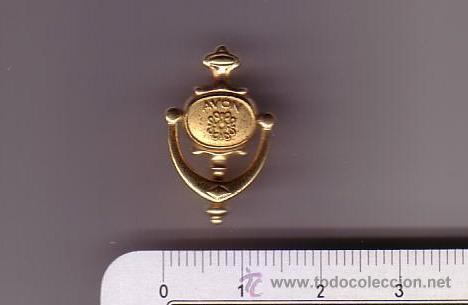 Antigua Insignia De Imperdibleavon Llama A Tu Comprar Pins