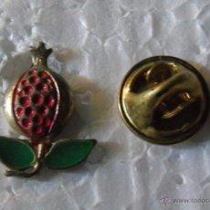 Pins de colección: PIN DE TURISMO BANDERAS HERÁLDICA. GRANADA. Lote 49875103