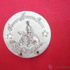 Pins de colección: PIN - PLACA EN METAL. MOTO CLUB ARRATE. REUNION INVERNAL ELGETA. 4,5 CM DIAM.. Lote 49935697