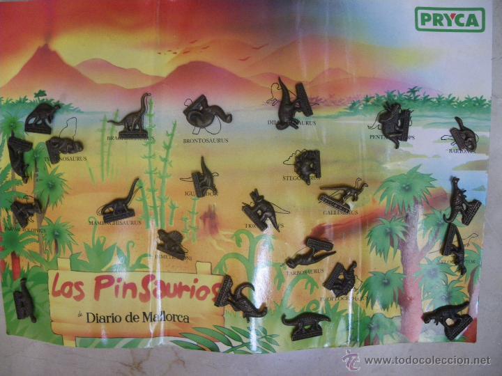 23 PINS DE DINOSUARIOS, DE DIARIO DE MALLORCA Y PRYCA. CON UN CARTÓN-ALBUM. (Coleccionismo - Pins)