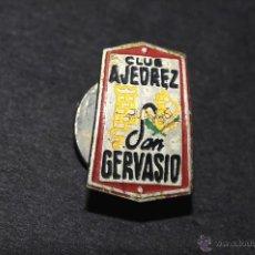 Pins de colección: PIN INSIGNIA DE OJAL CLUB AJEDREZ SAN GERVASIO. Lote 50843720
