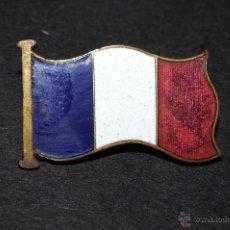 Pins de colección: PIN INSIGNIA ESMALTADO DE AGUJA IMPERDIBLE BANDERA FRANCESA. Lote 50889308