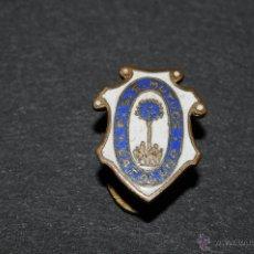 Pins de colección: PIN INSIGNIA DE OJAL F.S.S. MUTUOS CATALUÑA. Lote 51143410
