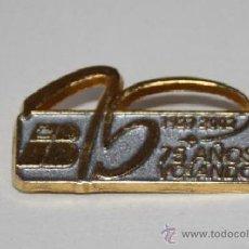 Pin's de collection: PIN DE IBERIA LÍNEAS AÉREAS: 75 AÑOS VOLANDO 1927 - 1992. ESTADO PERFECTO.. Lote 52405885