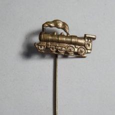 Pins de colección: ANTIGUO PASADOR PIN CON LOCOMOTORA VAPOR EN BRONCE. Lote 52499561