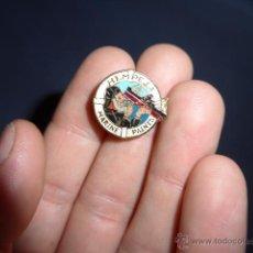 Pins de colección: ANTIGUA INSIGNIA A IDENTIFICAR... HEMPELS MARINE PAINTS. Lote 53008880