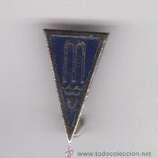 Pins de colección: PIN INSIGNIA DEL CLUB NATACION MANRESA . Lote 53377608