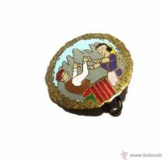 Pins de colección: ANTIGUA INSIGNIA PIN MONTSERRAT.. Lote 47248820