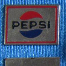 Pins de colección: INSIGNIA CHAPITA PEPSI COLA, SIN FECHA.. Lote 91698278