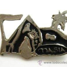 Pins de colección: MUY DIFICIL PIN ANTIGUO DISCOTECA VALENCIA RUTA BAKALAO LA MASIA AÑOS 90. Lote 171546594