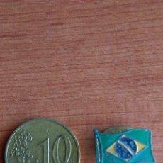 Pins de colección: ANTIGUA INSIGNIA SOLAPA OJAL NO PIN BANDERA DEL BRASIL AÑOS 50 60. Lote 54487704