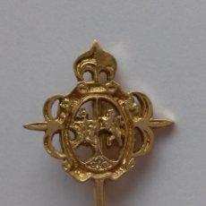 Pins de colección: PIN ,INSIGNIA DE 2,9 X 2,2 CMS.EN EL CENTRO LEON Y AGUILA, DEL CLUB MARISTAS SAN JOSE DE LEON. Lote 153063885