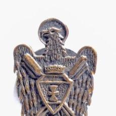 Pins de colección: PIN INSIGNIA DE METAL CON OJAL. Lote 54673629