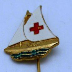 Pins de colección: PIN ALFILER CRUZ ROJA VELERO AÑOS 40 - 50. Lote 56122835