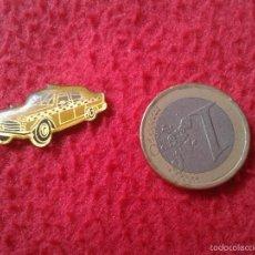 Pins de colección: BONITO PIN INSIGNIA PARA COLECCION TENGO MAS PINS VEAN MIS LOTES COCHE CAR TAXI O SIMILAR VER FOTO/S. Lote 56697469