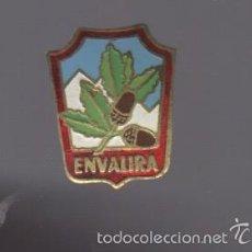 Pins de colección: PIN / INSIGNIA ESMALTADA DE MONTAÑA ENVALIRA ANDORRA. Lote 57401831