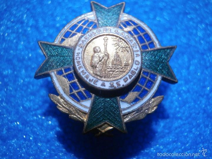 Pins de colección: Insignia de la Orden del Báculo de la Paz de la Asociación de Corresponsales de Guerra.1966 - Foto 3 - 57488255