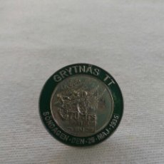 Pins de colección: SUECIA PIN, GRYTNAS TT 2005, CARRERA 70 ANV. Lote 57541159