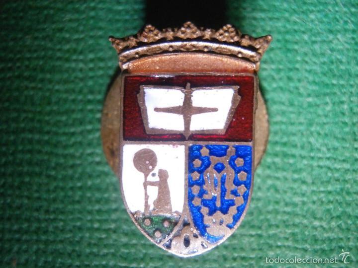 Pins de colección: Muy antigua insignia esmaltada para Ojal - Antiguo Escudo de Madrid - A determinar - Rara - Foto 3 - 57559516