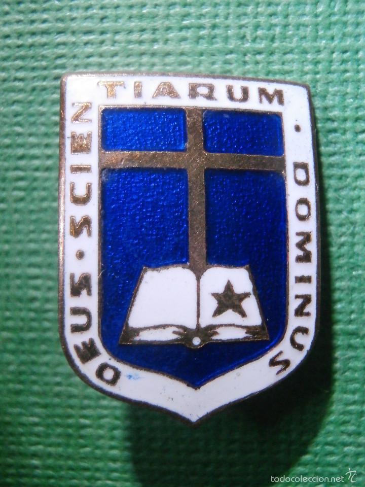 Pins de colección: Muy antigua Insignia esmaltada de imperdible - DEUS SCIENTIARUM DOMINUS - Dios Señor de las Ciencias - Foto 2 - 57585073