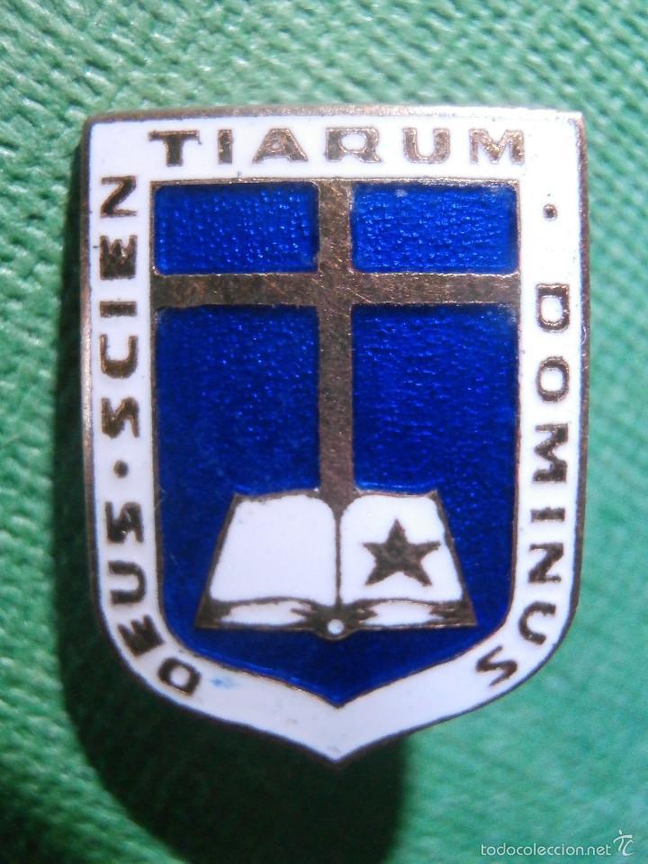 Pins de colección: Muy antigua Insignia esmaltada de imperdible - DEUS SCIENTIARUM DOMINUS - Dios Señor de las Ciencias - Foto 3 - 57585073