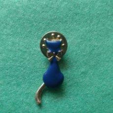 Pins de colección: PIN CURIOSO GATO COLA MOVIL. Lote 57909676