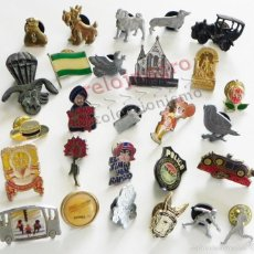 Pins de colección: GRAN LOTE DE PINS ANIMALES COCHES PERROS VELA POLICÍA SOMBRERO BANDERA OPEL PÁJARO FLOR FORD ETC PIN. Lote 58101664