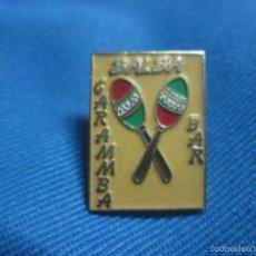 Pins de colección: PIN BAR MUSICAL DISCO BAR SALSA CARAMMBA. Lote 58202606