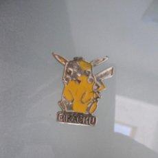 Pins de colección: PIN PIKACHU (PUA ROTA, DEFECTOS PINTURA). Lote 58565556