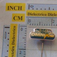 Pins de colección: INSIGNIA DE SOLAPA OJAL. COCHES MOTOS. OMNIPLUS AUTOBUSES MERCEDES. NO PIN. . Lote 59141570
