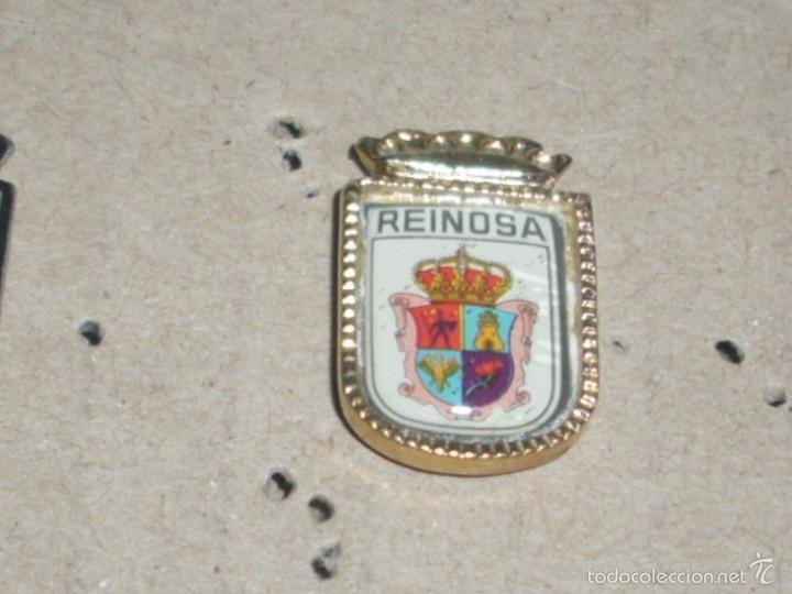 -PIN TEMA ESCUDO HERALDICO , EMBLEMAS , CIUDADES . REINOSA ( CANTABRIA ) (Coleccionismo - Pins)