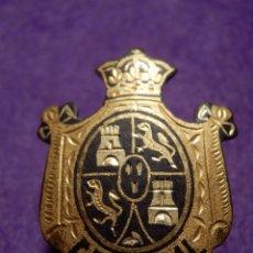 Pins de colección: ANTIGUA INSIGNIA PARA OJAL DE CHAQUETA - CONCEJAL - CASTILLA Y LEON - M. SANCHA - MADRID -. Lote 62557636
