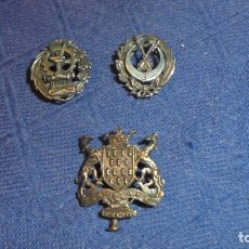Sammlung von Pins - 3 PINS EN PLATA DE LEY , UNO MILITAR LOS OTROS LOS DESCONOZCO. MED. EL MAS GRANDE 2,3X2,3 CM. - 62804972