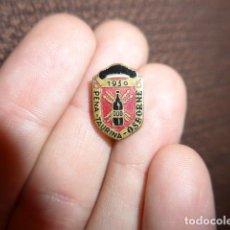 Pins de colección: ANTIGUA INSIGNIA DE PEÑA TAURINA OSBORNE, 1950, TOROS, TAUROMAQUIA. Lote 169174634