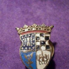 Pins de colección: ANTIGUA INSIGNIA PARA OJAL DE CHAQUETA - ESCUDO COLEGIO - INSTITUTO - ARENEROS - . Lote 66194258