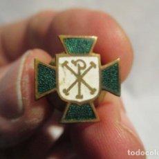 Pins de colección: ANTIGUO PIN O INSIGNIA ESMALTADA: JOVENES DE ACCION CATOLICA , VER FOTOS. Lote 69297413