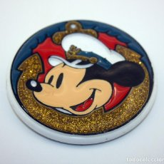 Pin's de collection: ANTIGUA CHAPA DE MICKEY MOUSE - PRODUCTO OFICIAL DISNEY - VINTAGE - MONOGRAM PRODUCTS - AMERICANA. Lote 74601423