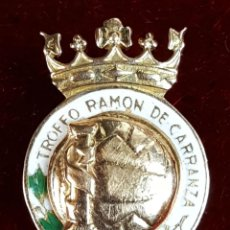 Pins de colección: PIN EN ORO DE 18 K. TROFEO RAMON DE CARRANZA. CIRCULO ESMALTADO. CIRCA 1970. . Lote 75684283